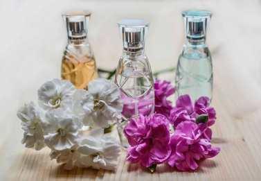 perfume-1433653_1280