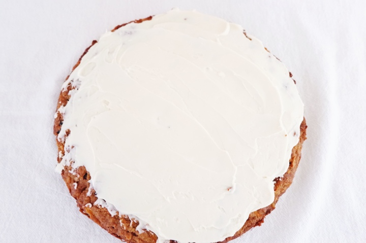 Healthy cream cheese frosting with veganoption